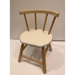 Chaise en bois blanc